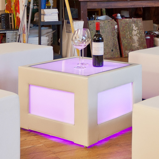 LED Loungetisch 60 [ CITY LIGHTS ] - Mietmöbel von ELEMENTS EVENTDESIGN