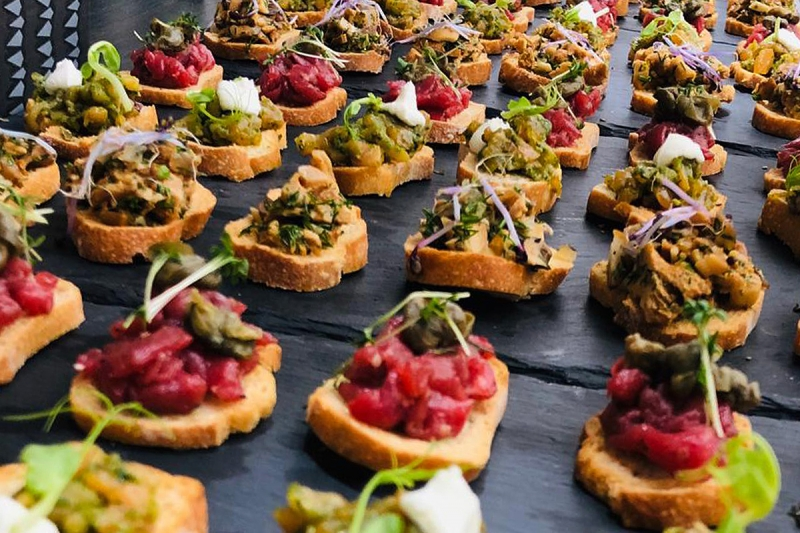 Fingerfood Messestand Elements Catering